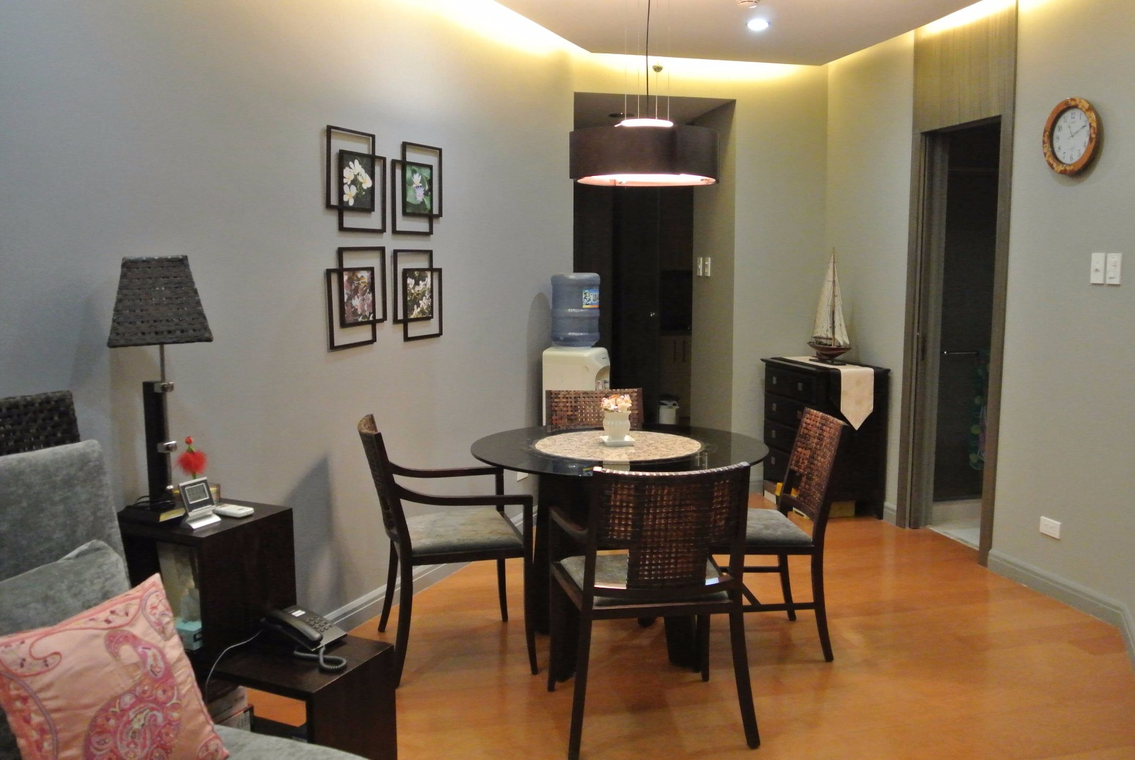 For sale 1 bedroom One Rockwell condo East